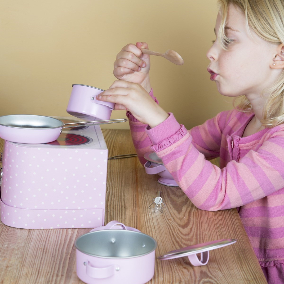 Kids Kitchen Cooking Box Set Pastel Pink Alternative Image 5.